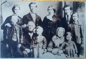 1890 William Sim his wife Charlotte (ne  Scott) Jane Hay Duthie children-grandchildren