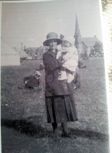 1929 Margaret Esson at Aboyne with daughter Margaret around 1925 or 6