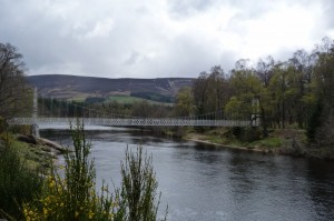 Cambus O'May foot bridge over the Dee